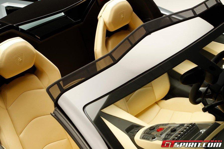 2013 Lamborghini Aventador LP700-4 Roadster 02 Photo 22